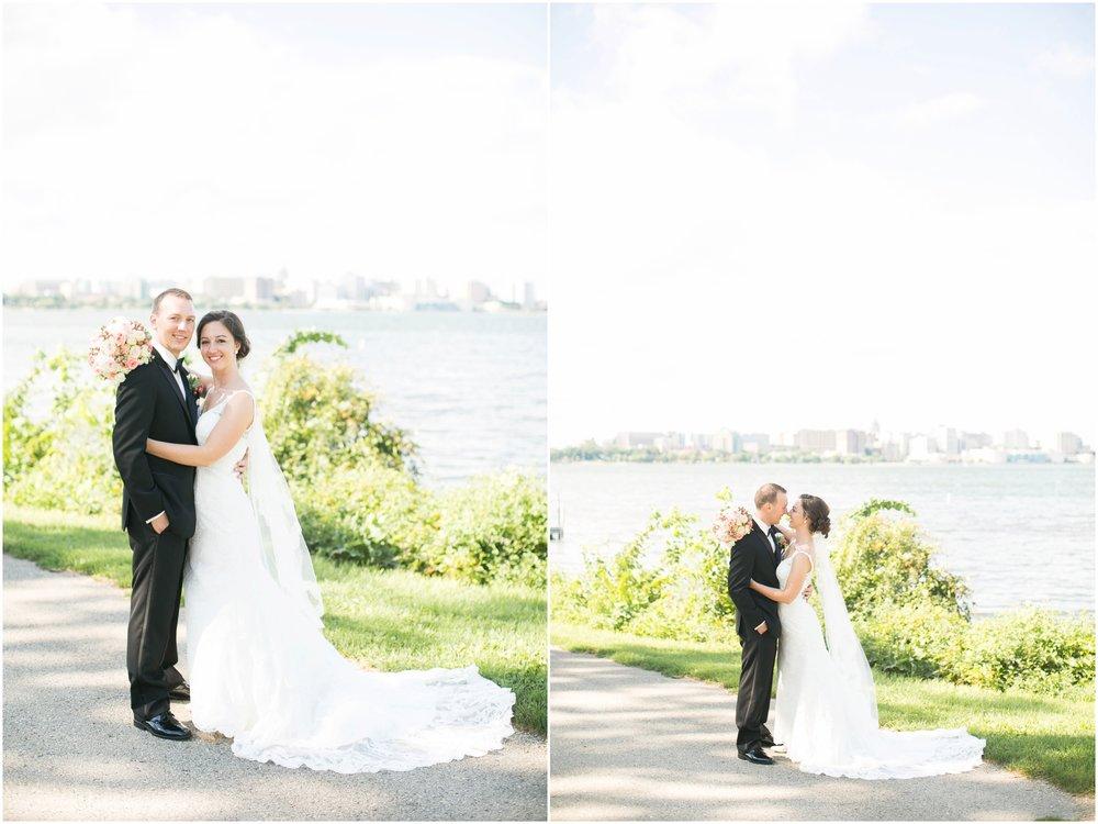 Madison_Wisconsin_Wedding_Photographers_BlackHawk_Church_East_Side_Club_1010.jpg