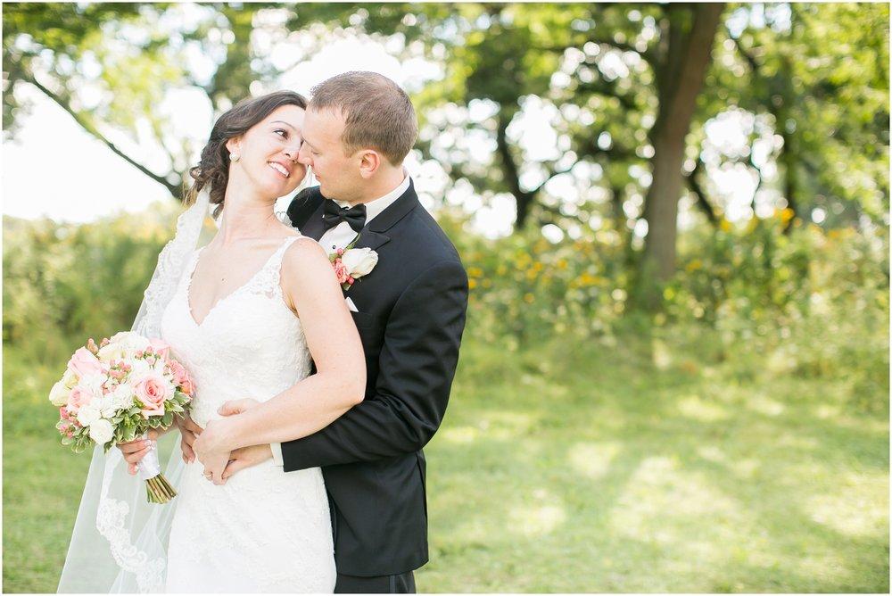 Madison_Wisconsin_Wedding_Photographers_BlackHawk_Church_East_Side_Club_1013.jpg