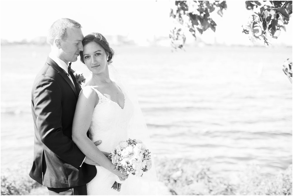 Madison_Wisconsin_Wedding_Photographers_BlackHawk_Church_East_Side_Club_1016.jpg