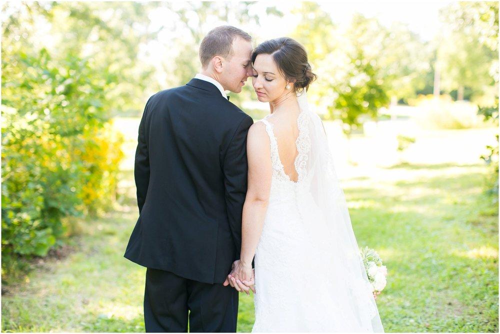 Madison_Wisconsin_Wedding_Photographers_BlackHawk_Church_East_Side_Club_1019.jpg