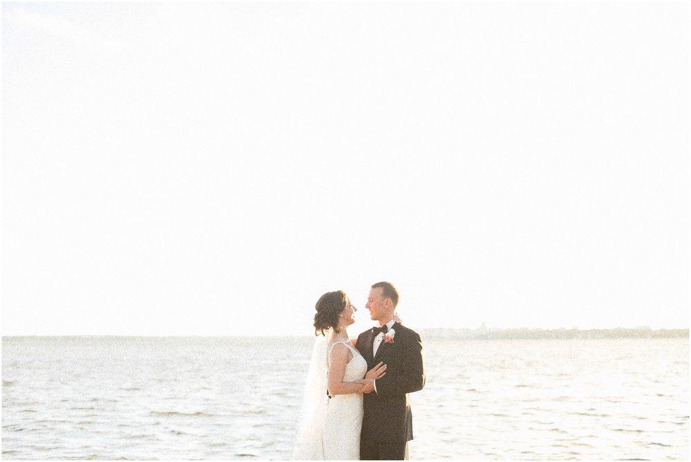 Madison_Wisconsin_Wedding_Photographers_BlackHawk_Church_East_Side_Club_1030.jpg