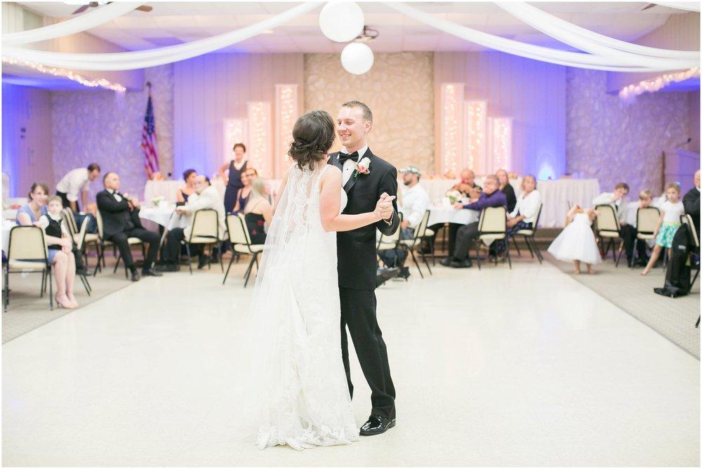 Madison_Wisconsin_Wedding_Photographers_BlackHawk_Church_East_Side_Club_1034.jpg