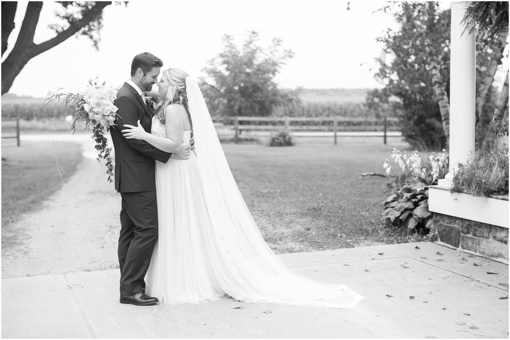 Sugarland_Barn_Arena_Wisconsin_Wedding_Madison_Wisconsin_1069.jpg