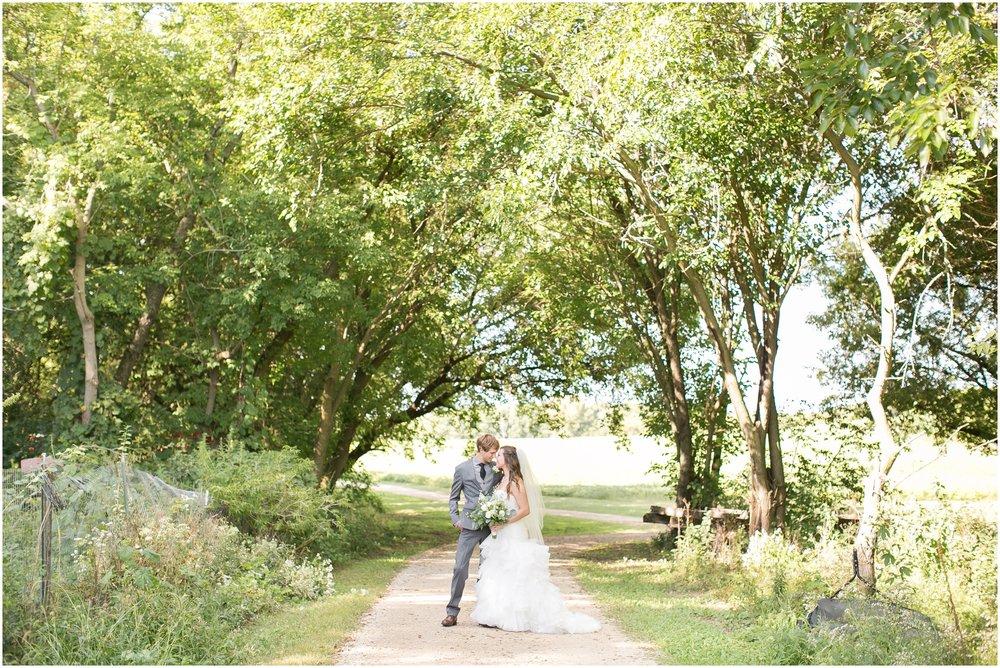The_Barn_At_Harvest_Moon_Pond_Wedding_1295.jpg