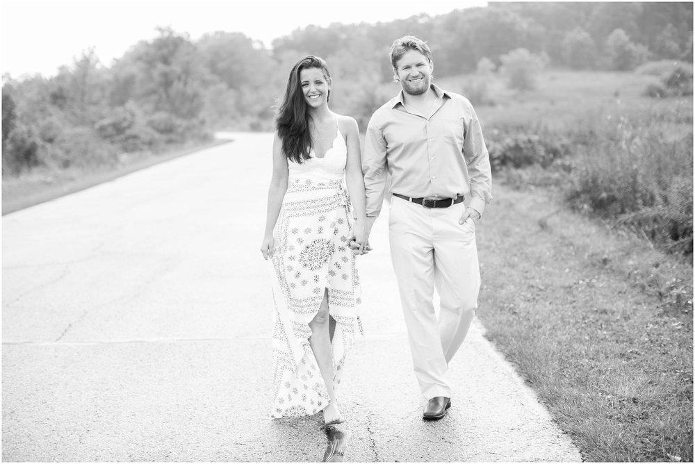 Madison_Wisconsin_Wedding_Photographers_Govenor_Nelson_Engagement_Session_1418.jpg