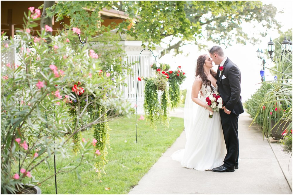 Madison_Wisconsin_Wedding_Photographers_Seven_Seas_Seafood_Steak_Wedding_1464.jpg