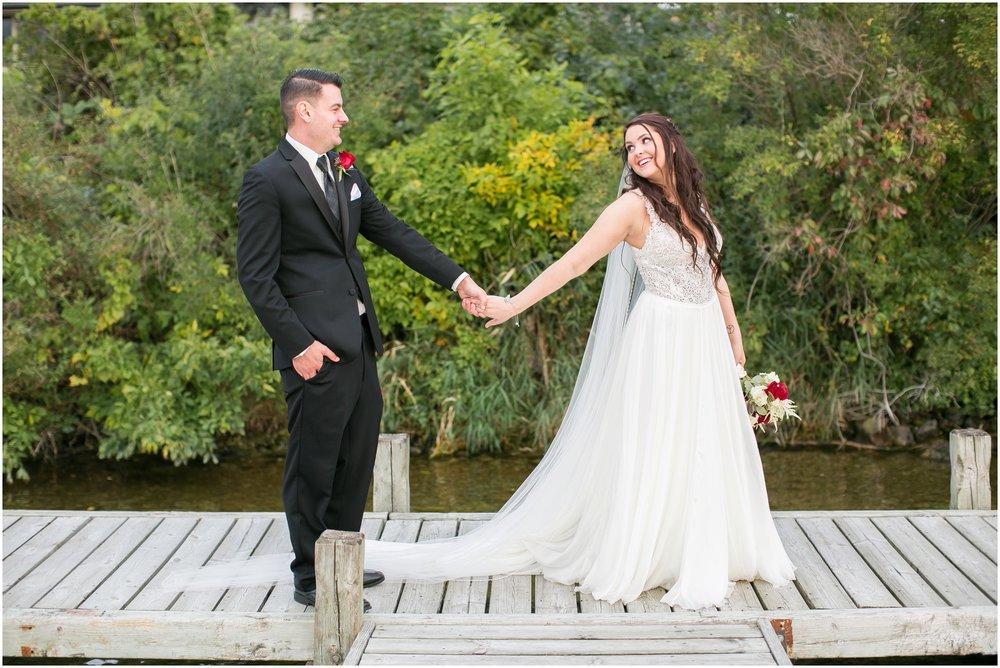 Madison_Wisconsin_Wedding_Photographers_Seven_Seas_Seafood_Steak_Wedding_1469.jpg