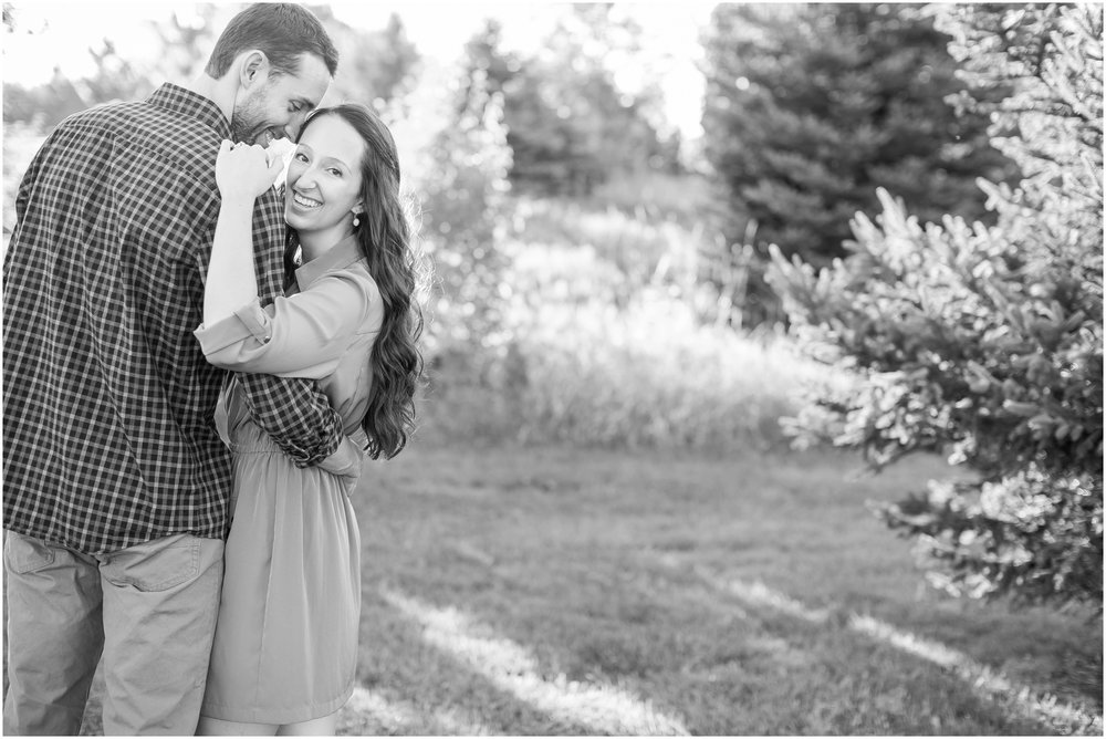 Appleton_Wisconsin_Memorial_Park_Engagement_Session_1564.jpg