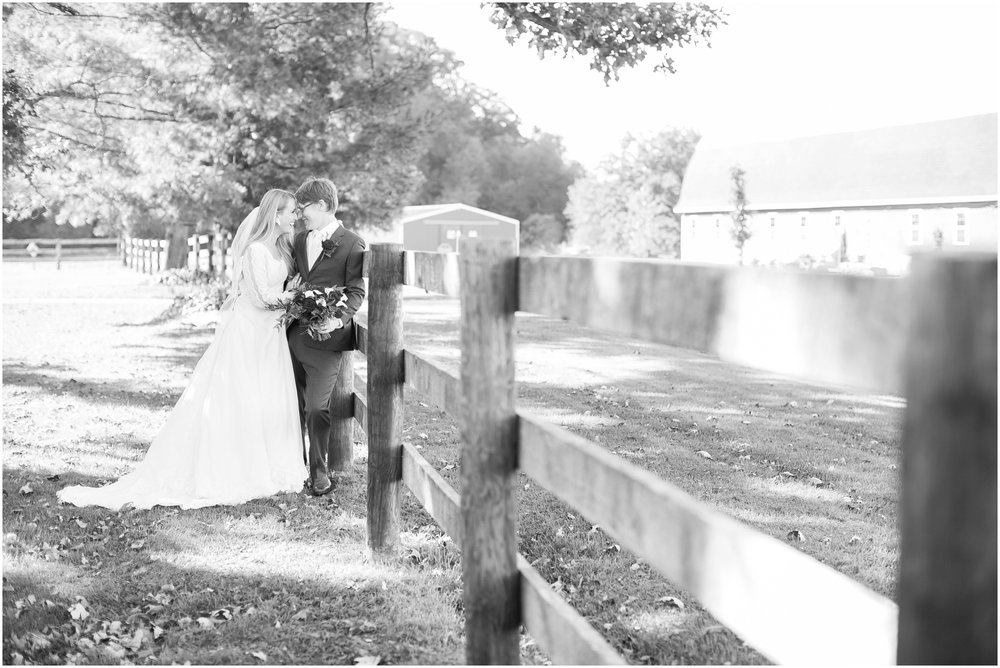 Sugarland_Barn_Arena_Wisconsin_Wedding_Madison_Wedding_Photographers_1748.jpg