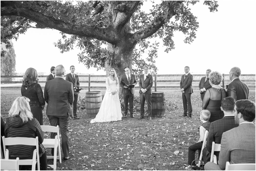 Sugarland_Barn_Arena_Wisconsin_Wedding_Madison_Wedding_Photographers_1787.jpg