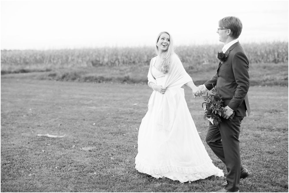 Sugarland_Barn_Arena_Wisconsin_Wedding_Madison_Wedding_Photographers_1801.jpg