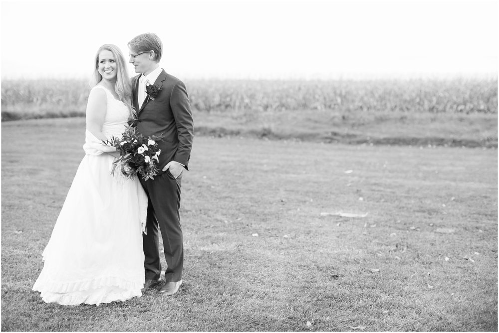 Sugarland_Barn_Arena_Wisconsin_Wedding_Madison_Wedding_Photographers_1802.jpg