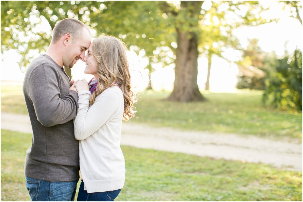 Madison_Wisconsin_Wedding_Photographers_Country_Fall_Engagement_Session_1869.jpg