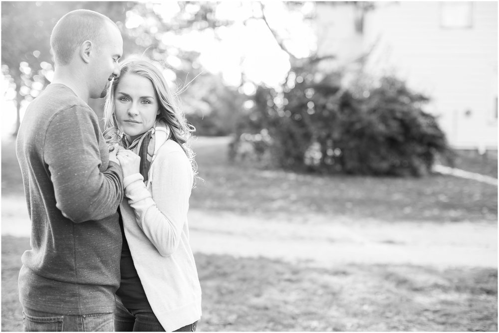 Madison_Wisconsin_Wedding_Photographers_Country_Fall_Engagement_Session_1871.jpg