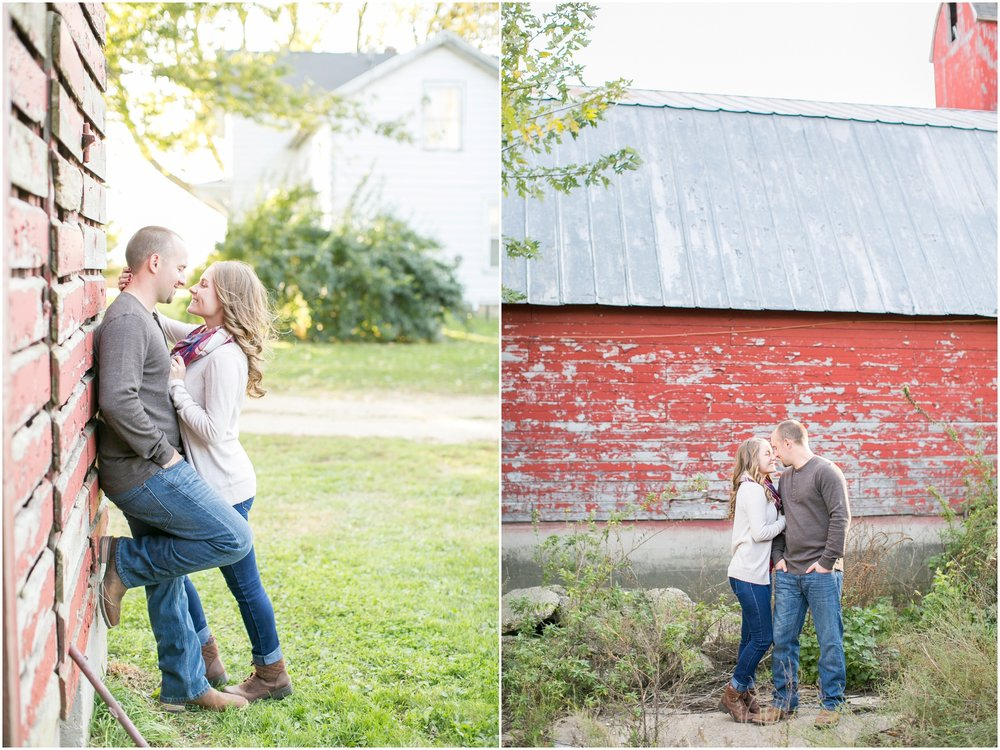 Madison_Wisconsin_Wedding_Photographers_Country_Fall_Engagement_Session_1870.jpg