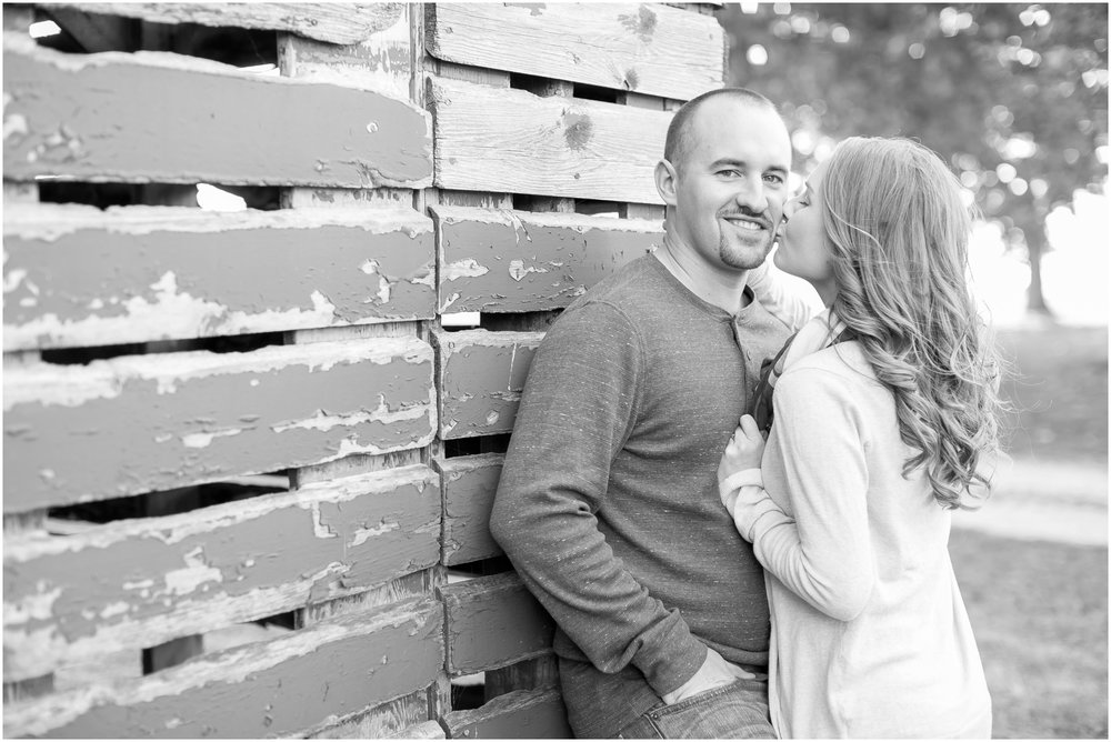 Madison_Wisconsin_Wedding_Photographers_Country_Fall_Engagement_Session_1873.jpg
