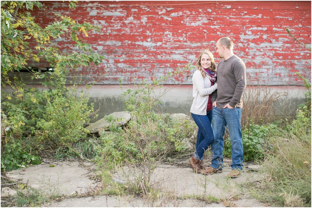 Madison_Wisconsin_Wedding_Photographers_Country_Fall_Engagement_Session_1874.jpg