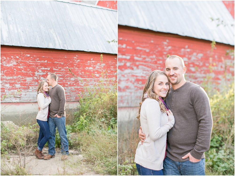 Madison_Wisconsin_Wedding_Photographers_Country_Fall_Engagement_Session_1875.jpg
