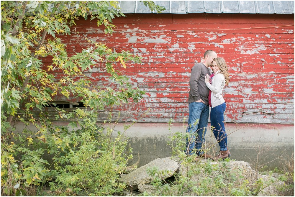Madison_Wisconsin_Wedding_Photographers_Country_Fall_Engagement_Session_1876.jpg
