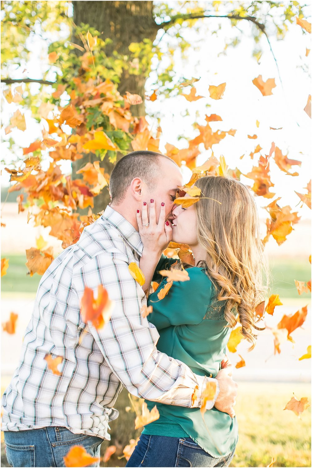 Madison_Wisconsin_Wedding_Photographers_Country_Fall_Engagement_Session_1903.jpg