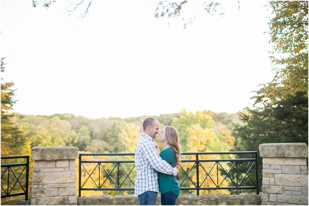 Madison_Wisconsin_Wedding_Photographers_Country_Fall_Engagement_Session_1906.jpg