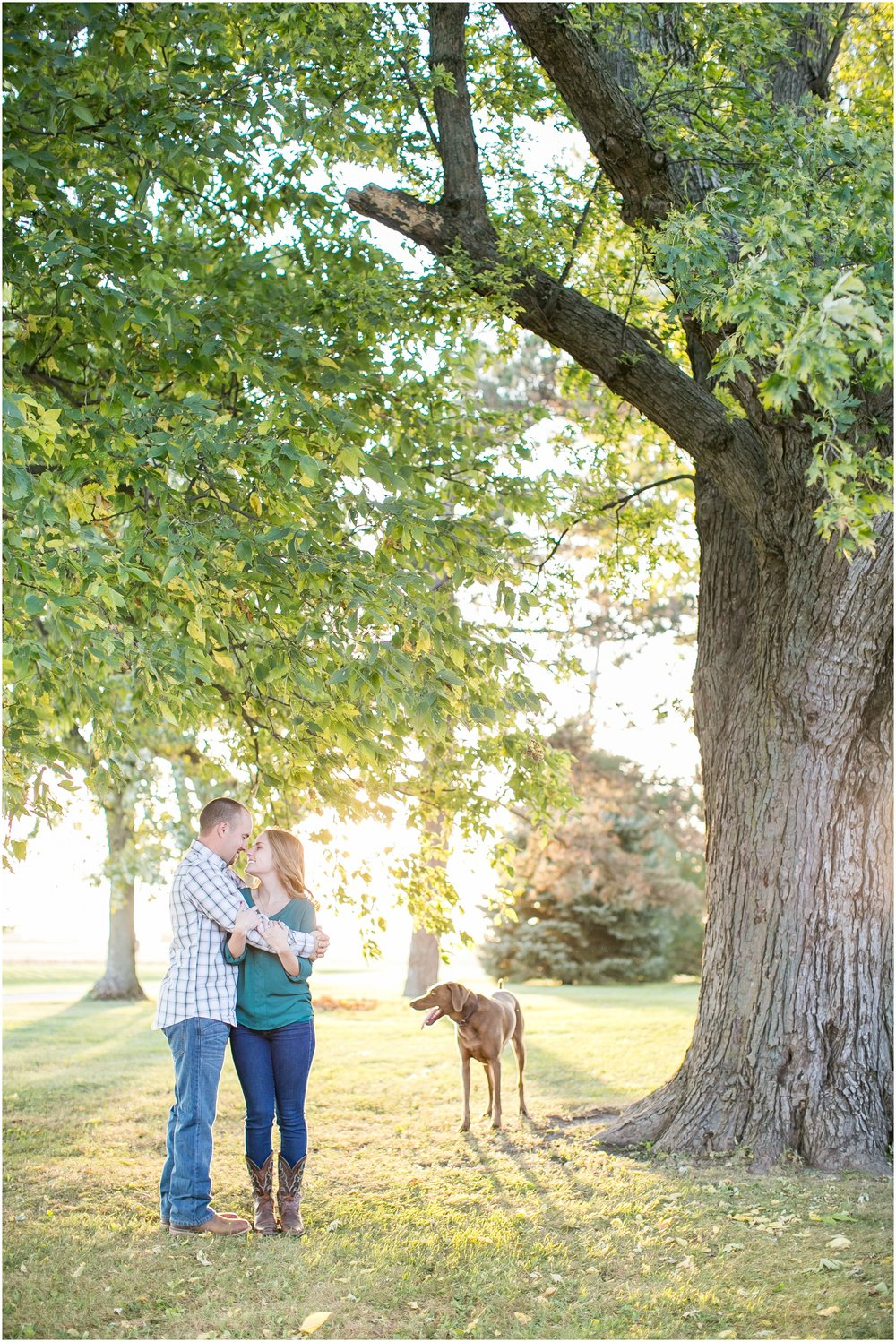 Madison_Wisconsin_Wedding_Photographers_Country_Fall_Engagement_Session_1907.jpg