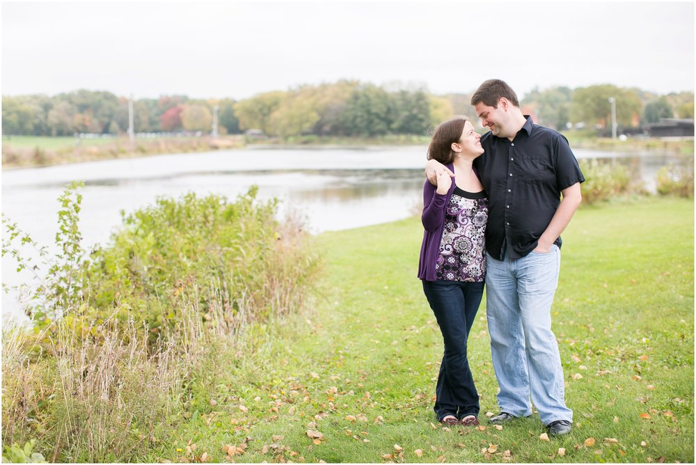 Vilas_Park_Engagement_Session_Madison_Wisconsin_1917.jpg
