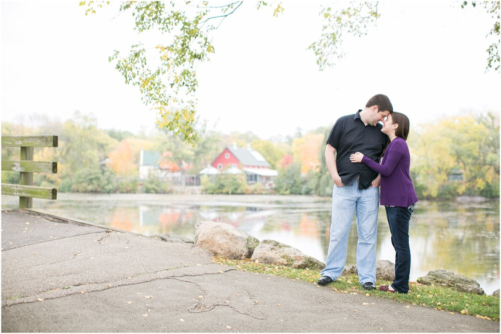 Vilas_Park_Engagement_Session_Madison_Wisconsin_1924.jpg
