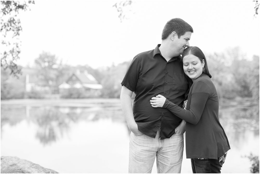 Vilas_Park_Engagement_Session_Madison_Wisconsin_1926.jpg