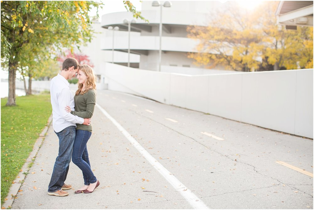 Downtown_Madison_Wisconsin_Engagment_Session_1989.jpg