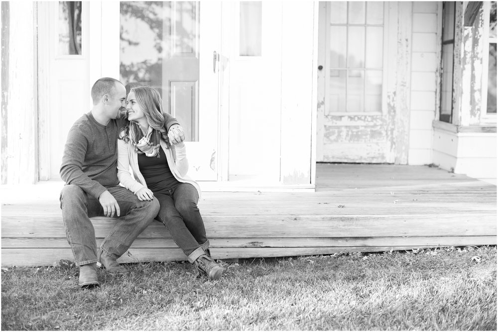 Madison_Wisconsin_Wedding_Photographers_Country_Fall_Engagement_Session_1882.jpg