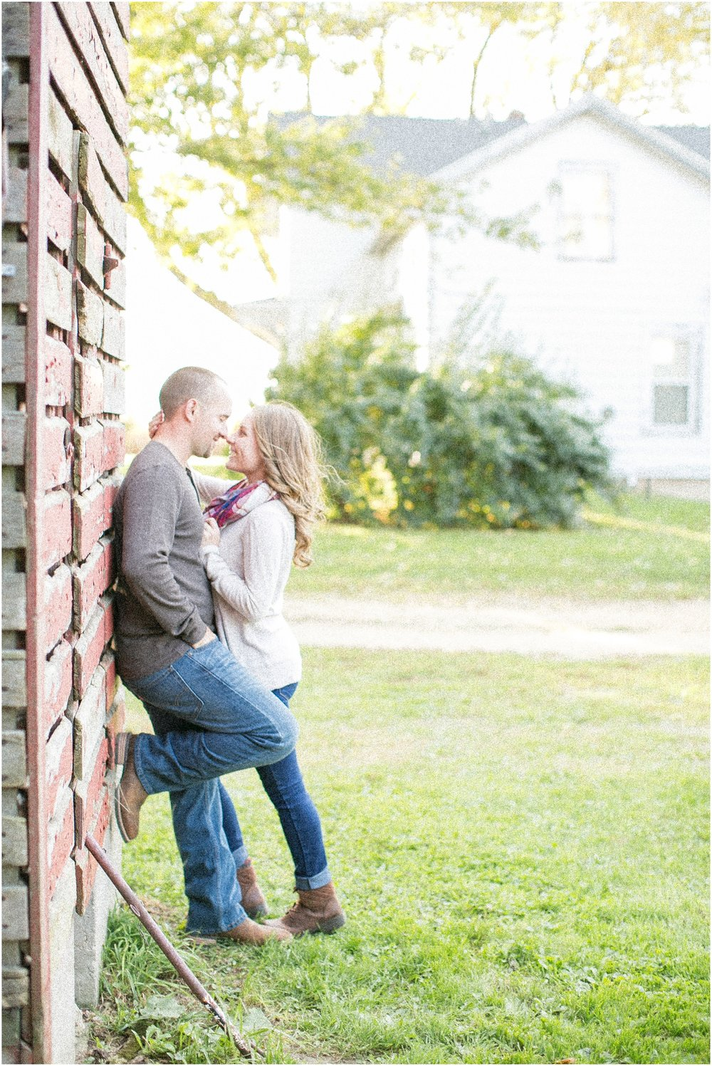 Madison_Wisconsin_Wedding_Photographers_Country_Fall_Engagement_Session_1872.jpg