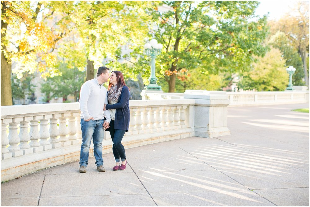 Downtown_Madison_Wisconsin_Autumn_Engagement_Session_2075.jpg