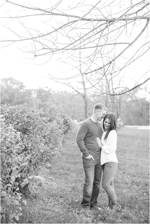 Madison_Wisconsin_Wedding_Photographers_Rockcut_Engagement_Session_2104.jpg