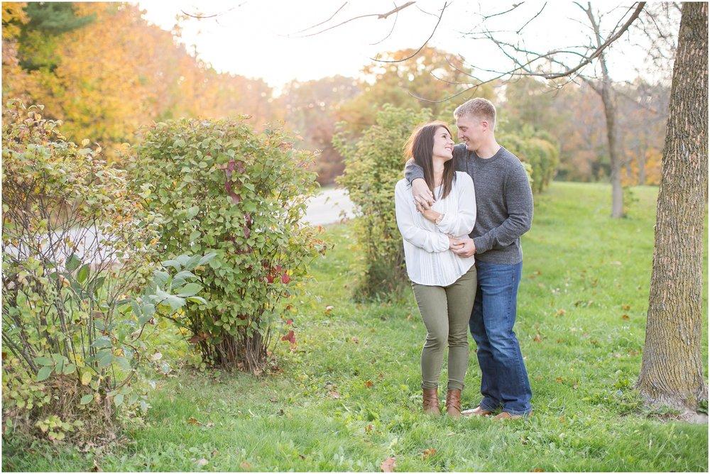 Madison_Wisconsin_Wedding_Photographers_Rockcut_Engagement_Session_2110.jpg