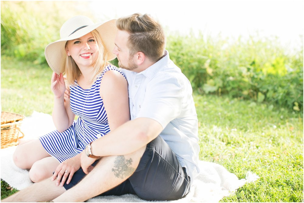 Caynay_Photo_Madison_Wisconsin_Wedding_Photographers_Engagment_Portraits_2016_2275.jpg