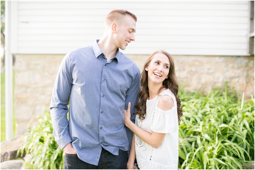 Caynay_Photo_Madison_Wisconsin_Wedding_Photographers_Engagment_Portraits_2016_2293.jpg