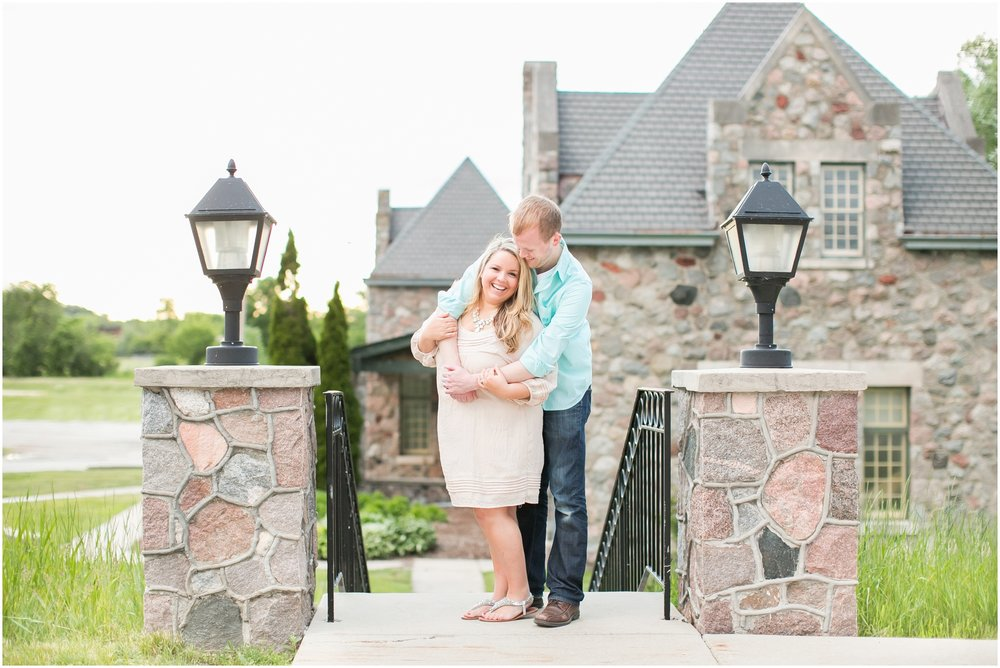 Caynay_Photo_Madison_Wisconsin_Wedding_Photographers_Engagment_Portraits_2016_2305.jpg
