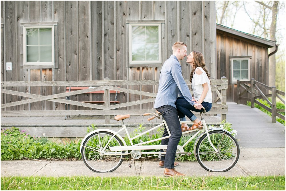 Caynay_Photo_Madison_Wisconsin_Wedding_Photographers_Engagment_Portraits_2016_2307.jpg