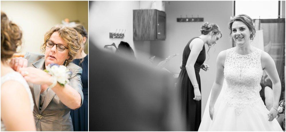 Madison_Wisconsin_Wedding_Photographers_Winter_Wedding_Oshkosh_Wisconsin_2345.jpg