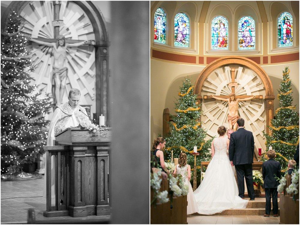 Madison_Wisconsin_Wedding_Photographers_Winter_Wedding_Oshkosh_Wisconsin_2351.jpg