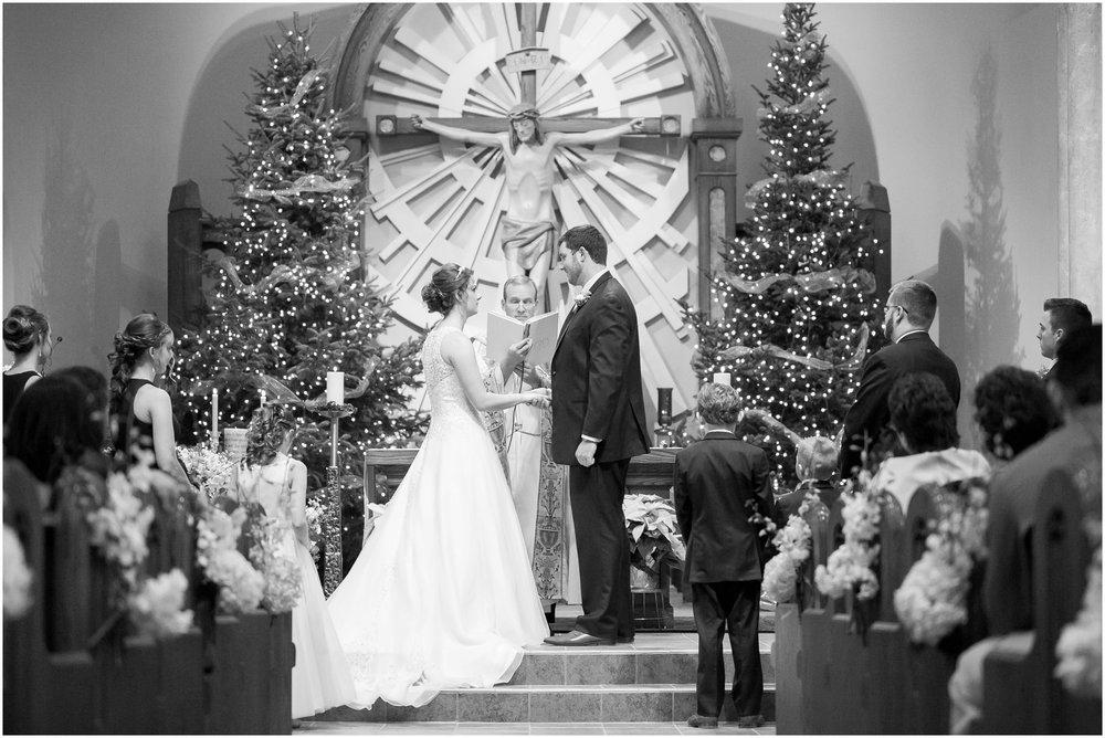 Madison_Wisconsin_Wedding_Photographers_Winter_Wedding_Oshkosh_Wisconsin_2353.jpg