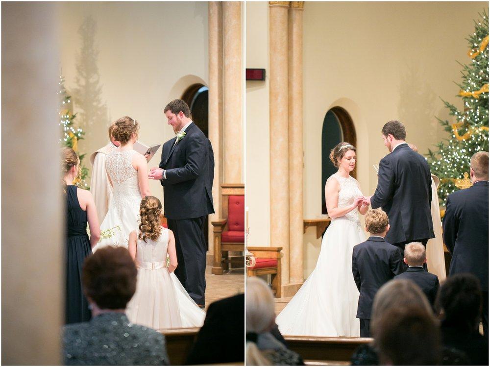 Madison_Wisconsin_Wedding_Photographers_Winter_Wedding_Oshkosh_Wisconsin_2355.jpg