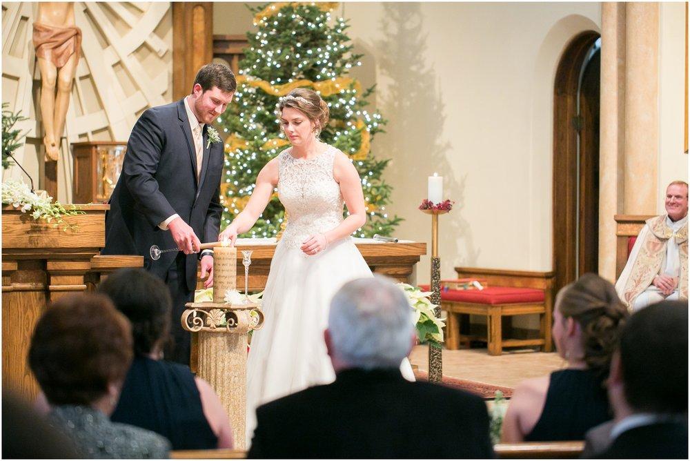 Madison_Wisconsin_Wedding_Photographers_Winter_Wedding_Oshkosh_Wisconsin_2357.jpg