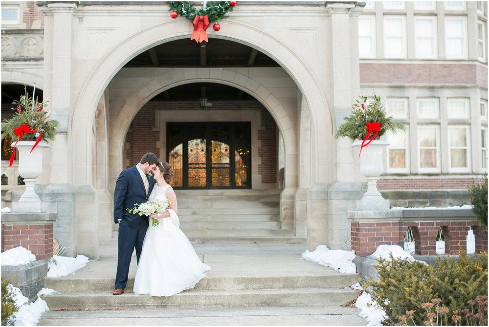 Madison_Wisconsin_Wedding_Photographers_Winter_Wedding_Oshkosh_Wisconsin_2379.jpg
