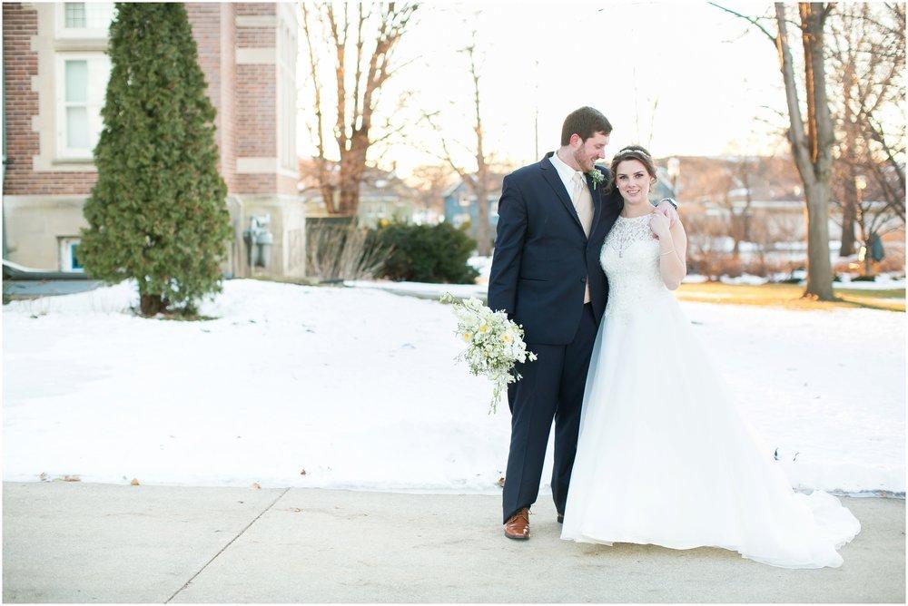 Madison_Wisconsin_Wedding_Photographers_Winter_Wedding_Oshkosh_Wisconsin_2384.jpg