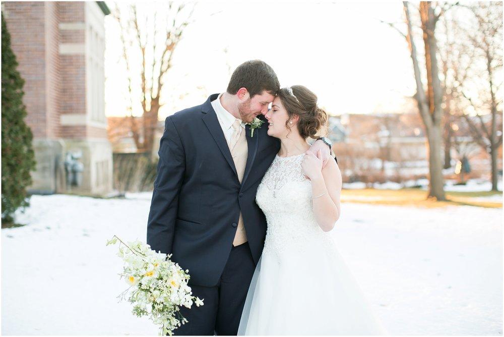 Madison_Wisconsin_Wedding_Photographers_Winter_Wedding_Oshkosh_Wisconsin_2387.jpg