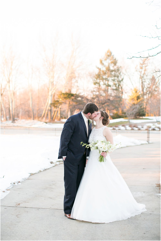 Madison_Wisconsin_Wedding_Photographers_Winter_Wedding_Oshkosh_Wisconsin_2389.jpg