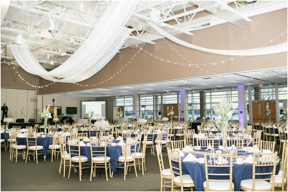 Madison_Wisconsin_Wedding_Photographers_Winter_Wedding_Oshkosh_Wisconsin_2400.jpg