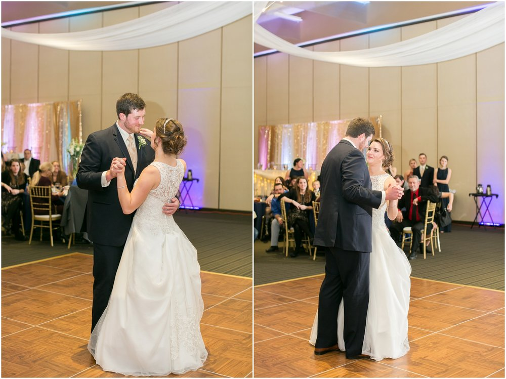 Madison_Wisconsin_Wedding_Photographers_Winter_Wedding_Oshkosh_Wisconsin_2406.jpg